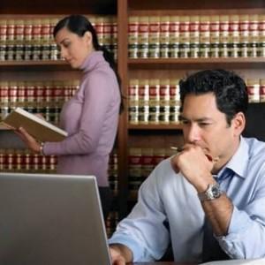 Юрист может консультировать клиента в любое время суток