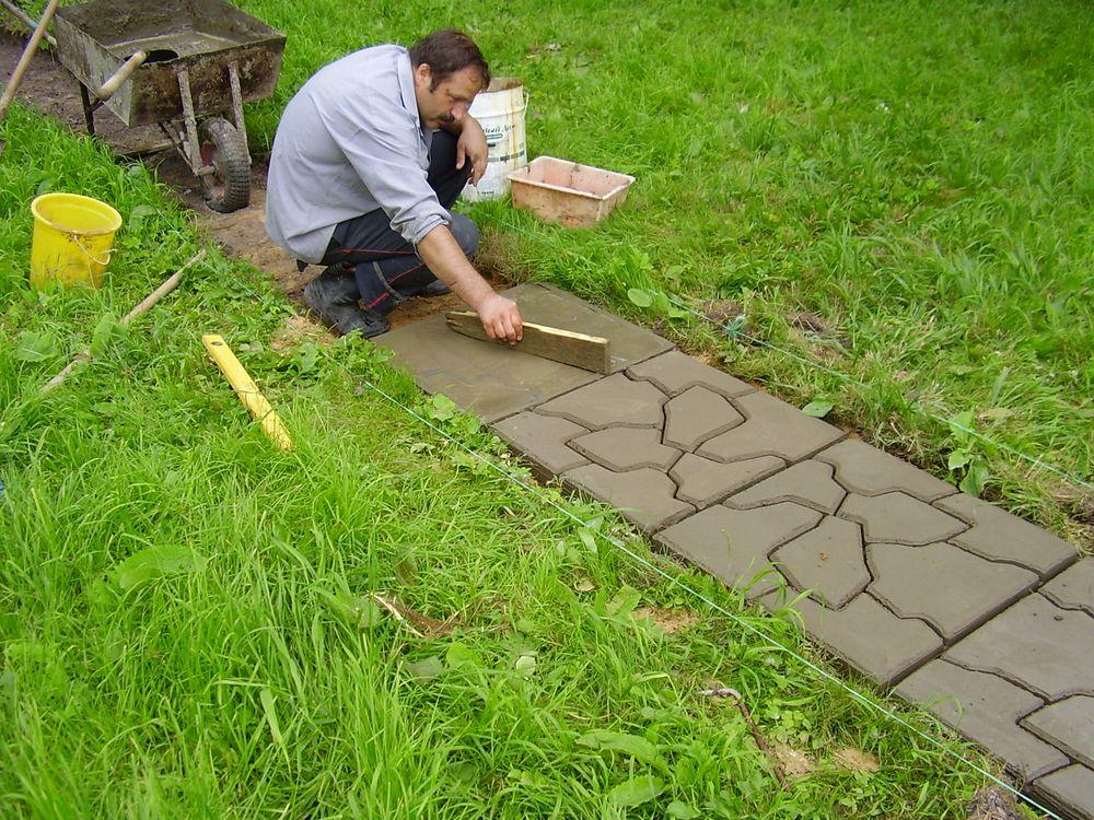 Тротуарные плитки сделать своими руками
