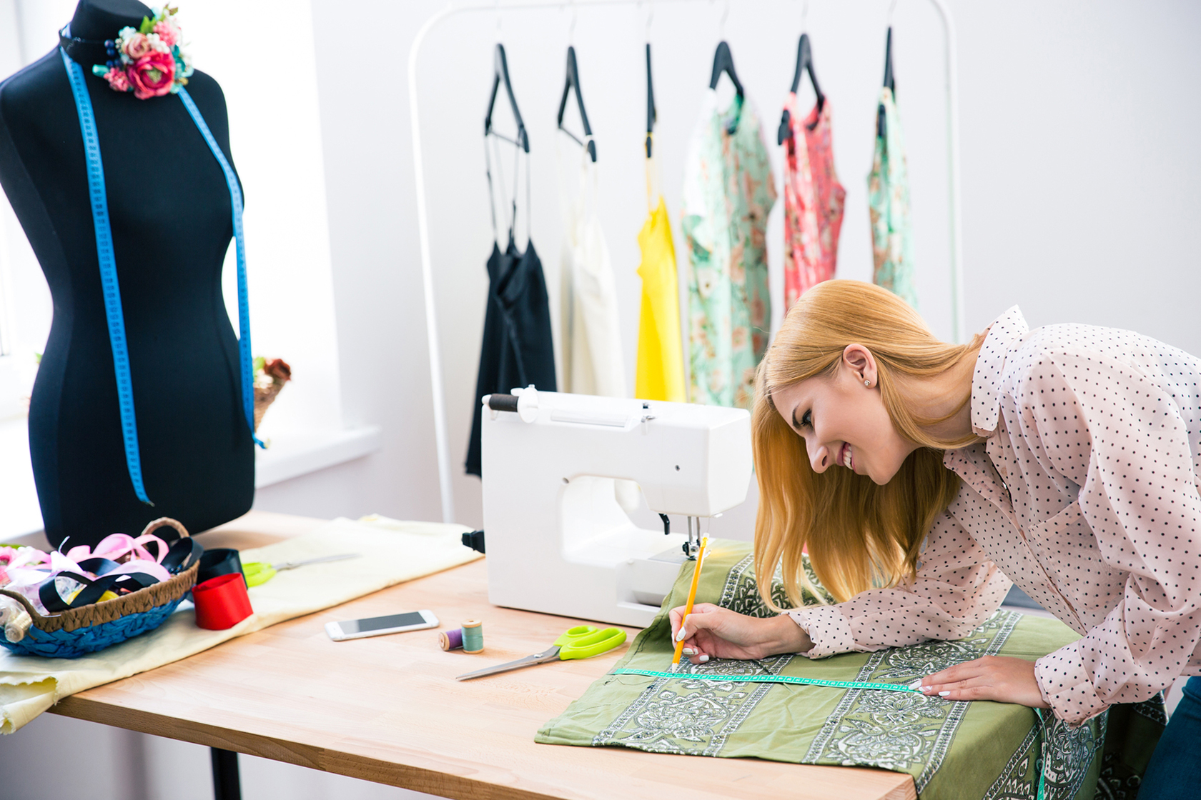 Швея – бизнес на дому для женщин своими руками